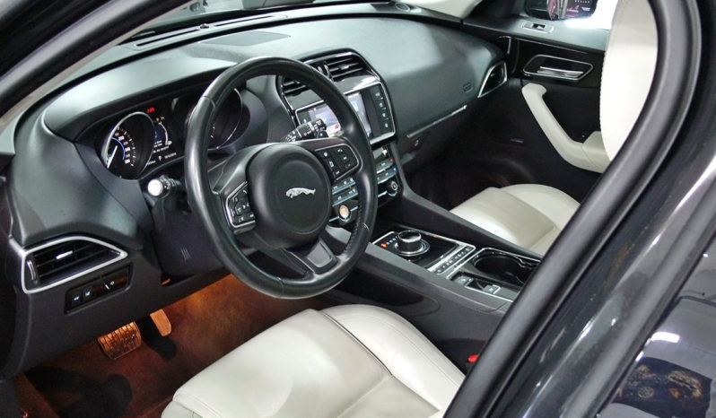Jaguar F-Pace full